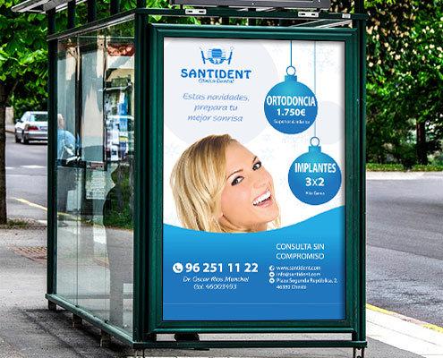 Diseño de cartel publicitario exterior para la clínica dental Santident